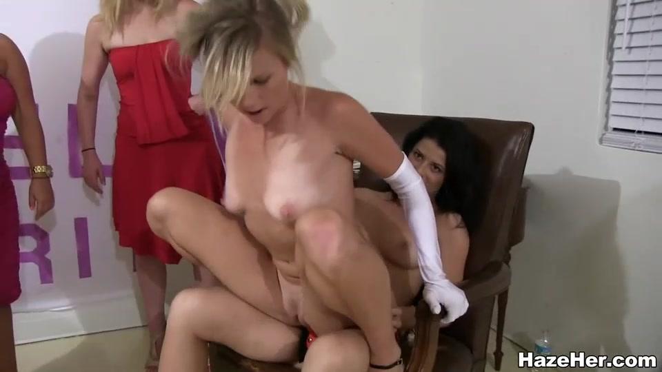 Длительный групповой секс лисбиянок