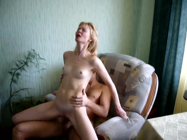 Молодая блондинка домашнее порно фото 538-852